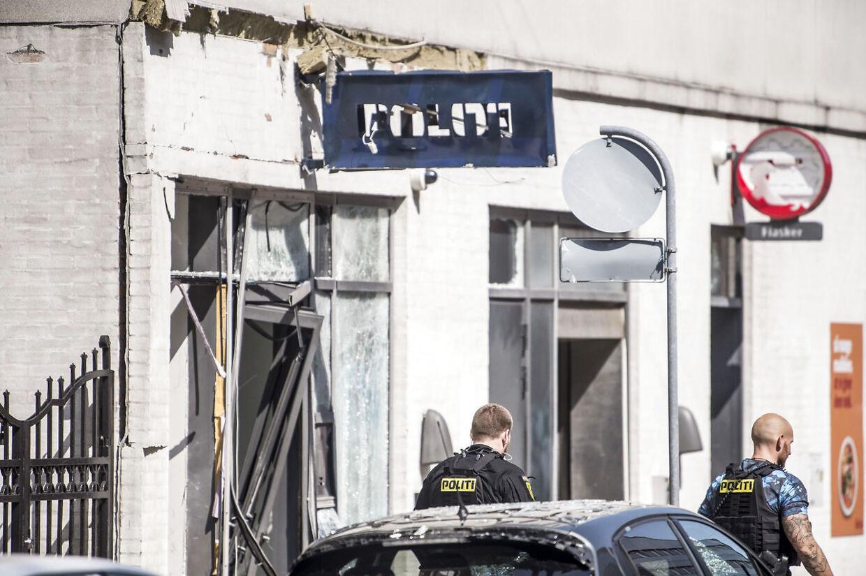 Eksplosioner i København er en del af begrundelsen for at indføre mere overvågning. Her er det gået ud over en nærpolitistation på Hermodsgade på Nørrebro i København lørdag den 10. august 2019.