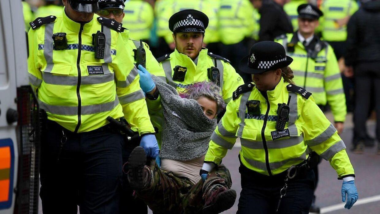 Politiet i London har foretaget adskillige anholdelser i forbindelse med denne uges klimademonstrationer.
