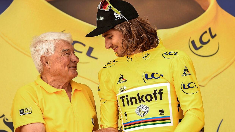 Raymond Poulidor (tv.) er stadig med ved Tour de France.