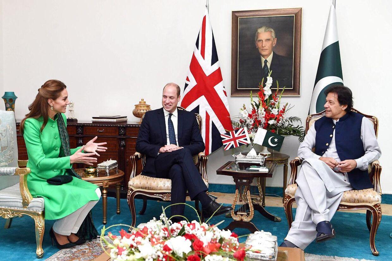 Prins William og hertuginde Kate er i øjeblikket på besøg i Pakistan. Her mødes de med Pakistans premierminister, Imran Khan, i hovedstaden Islamabad.