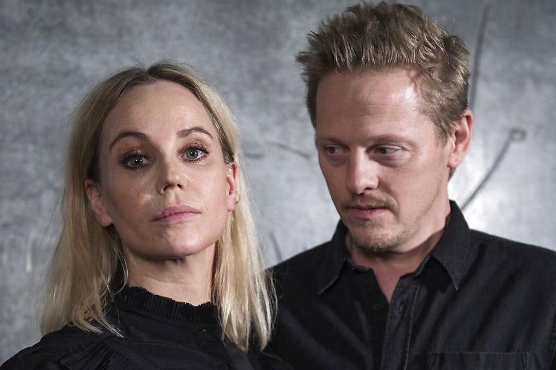 Thure Lindhardt og Sofia Helin, som spiller makkerpar i krimiserien 'Broen'.