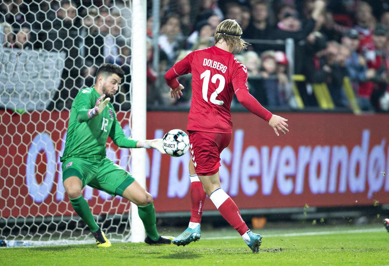 Danmarks Kasper Dolberg scorer til 3-0 i venskabskampen Danmark mod Luxembourg på Aalborg Stadion, 15. oktober 2019 .