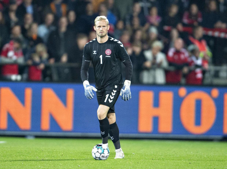 Kasper Schmeichel i aktion for det danske landshold, der tirsdag aften besejrede Luxembourg 4-0.