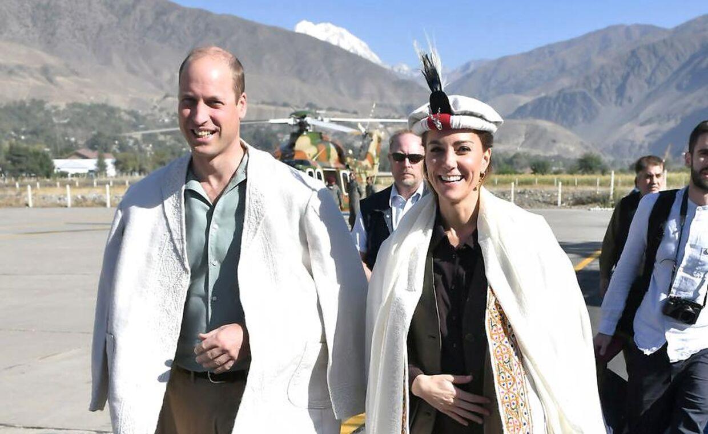 Det royale par under besøget i den pakistanske bjergkæde.