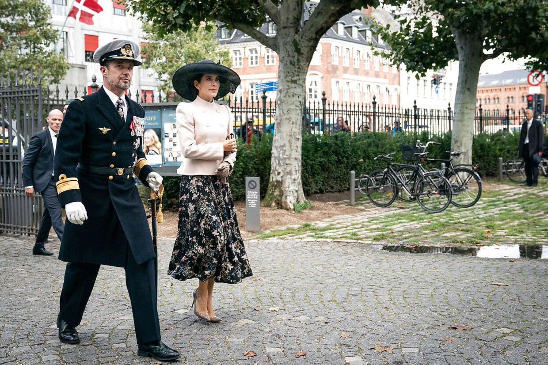 Kronprins Frederik og kronprinsesse Mary ankommer til mindegudstjeneste i Holmens Kirke i København torsdag den 5. september 2019 i anledning af flagdag for Danmarks udsendte.