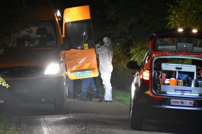 Et sommerhusområde på Møn er torsdag aften blevet afspærret efter mistanke om fund af sennepsgas.