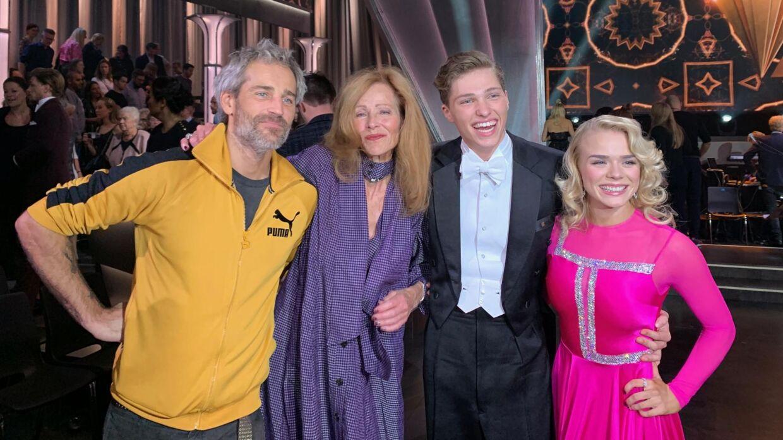 Både Oliver og mor - Suzanne Bjerrehuus - var fredag mødt op for at støtte Oscar Bjerrehuus i 'Vild med dans'.