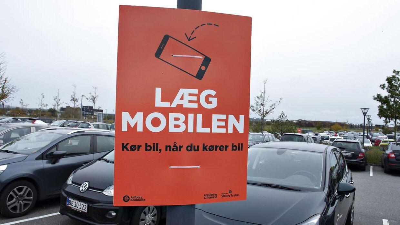 Kampagneskilt på parkeringspladsen ved Gigantium i Aalborg 13. oktober 2019.