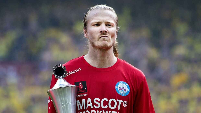 Silkeborgs Simon Jakobsen fortæller om, hvor hårdt det er at blive sat af holdet i Silkeborg. Her ses han, da han blev Årets pokalfighter i finalen mod Brøndby sidste år