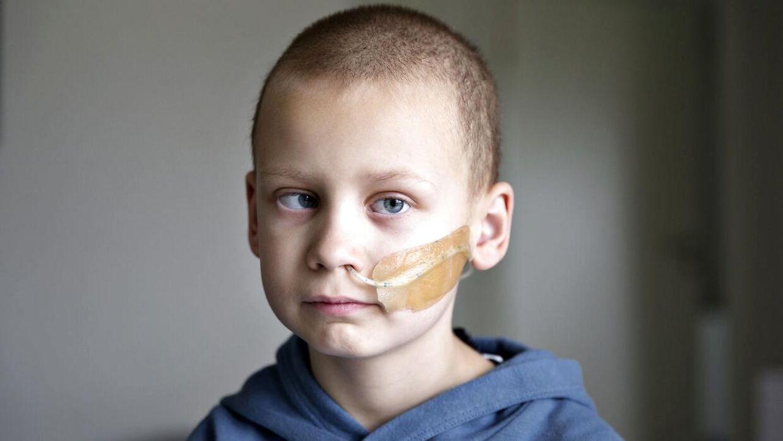 7-årige Magnus Funder Nielsen fra Grindsted har en tumor i hjernen. Tumoren blev opdaget, da han begyndte at skele.