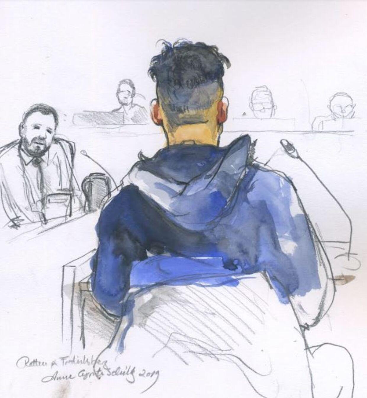 Bachir Hussein (tegnet bagfra) benægtede under et retsmøde i februar i år, at han skulle være medlem af banden Brothas, selv om han står opført på politiets liste over bandemedlemmer.