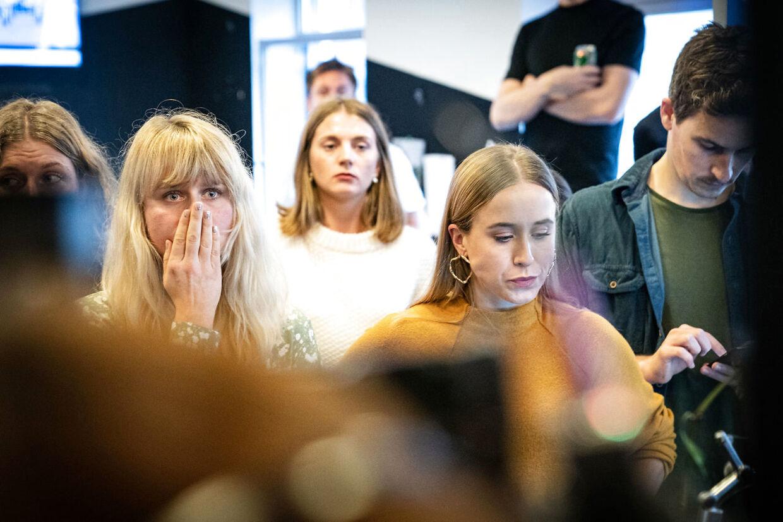 Medarbejderne på radioen får besked om at radiokanalen ikke kan fortsætte som DAB-kanal, på Radio24syv i København, tirsdag den 22. oktober 2019.