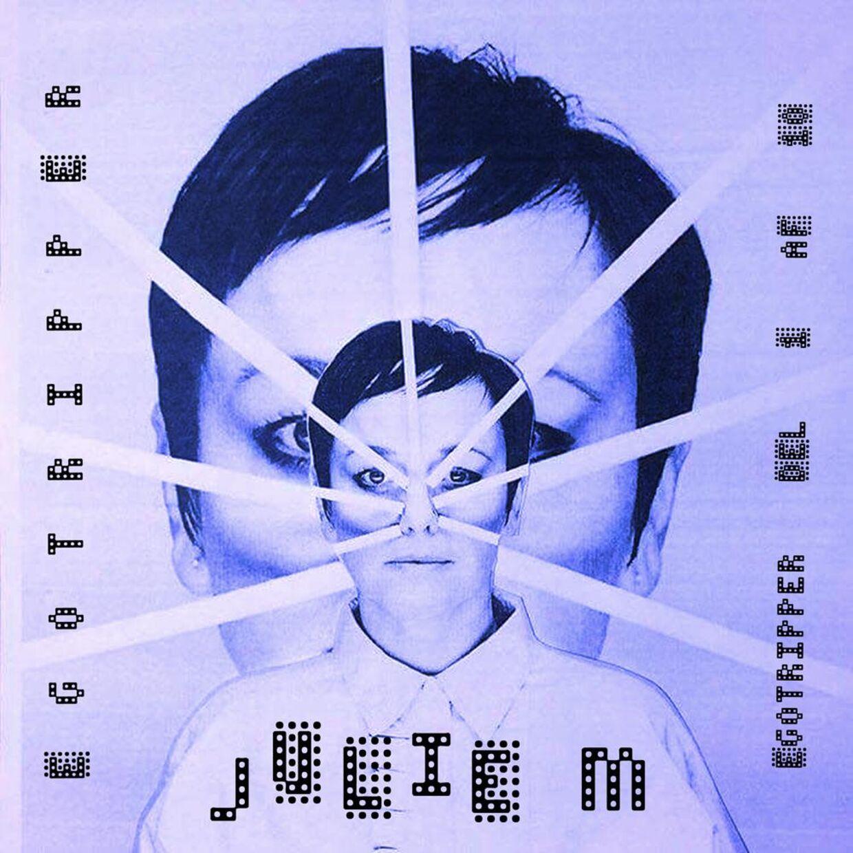 Omslaget til Julie Michelsens nye single 'Egotripper' - første del ud af ti.