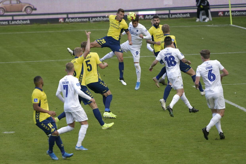 Superliga Brøndby - FCK Fans og fodbold før, under og efter kampen på og omkring Brøndby Stadion.