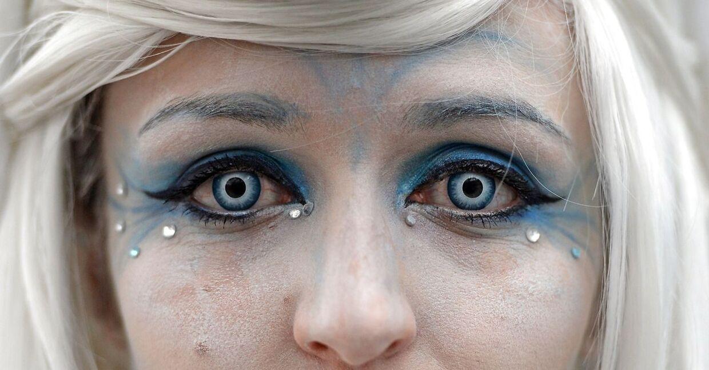 Farvede kontaktlinser i forbindelse med udklædning