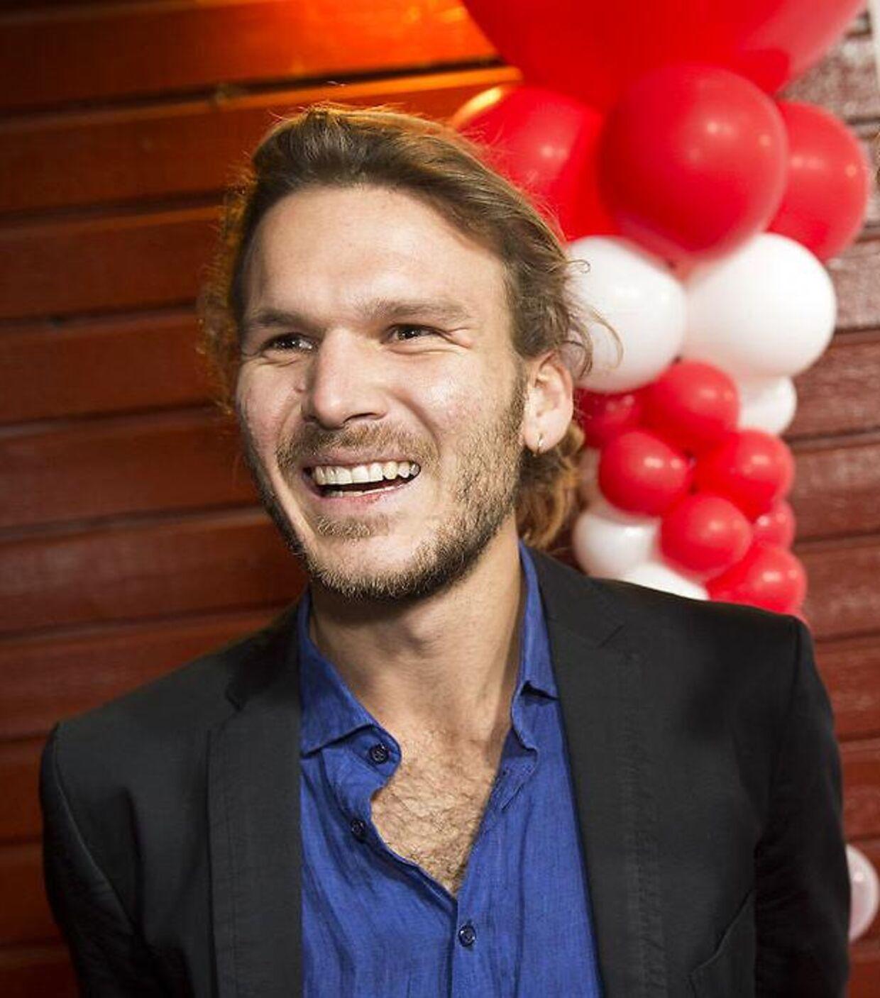 Emil Erichsen inviterer Kevin Magnussen med ud på familie-skibet 'Havana'.