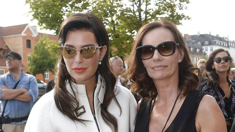 Janni Spies har haft en tæt tilknytning til rejseselskabet Spies. Her ses hun med sin datter, Michala.