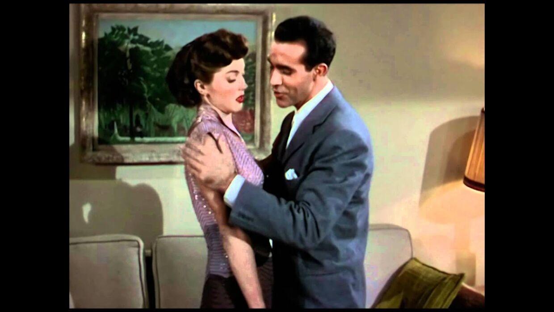 Billedet er fra den romantiske komedie 'Neptunes Daughter' fra 1949, hvor filmens hovedroller synger 'Baby, it's cold outside'.