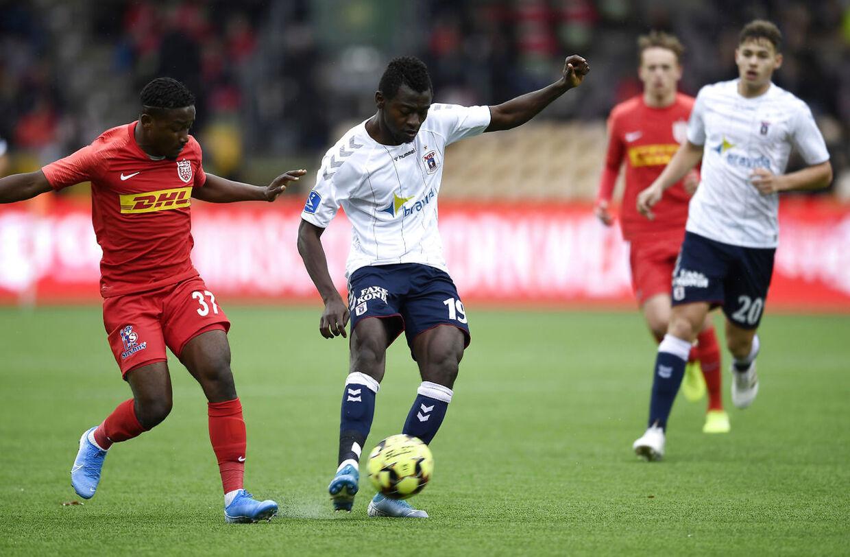Mustapha Bundu var tæt på at score et spektakulært mål mod FC Nordsjælland.