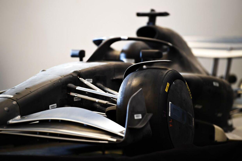2021-reglementet og en model af den nye bil præsenteret ved et pressemøde. Reglementet og 2021-bilen har været længe undervejs, og flere store ændringer er på vej i sporten.