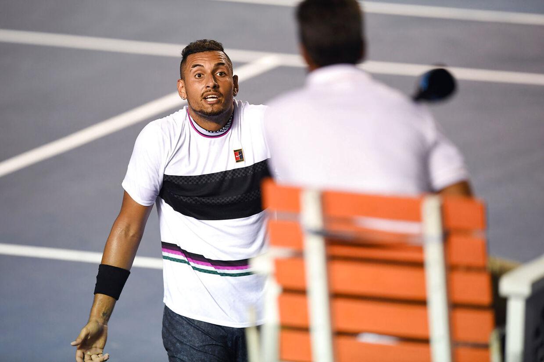 Den australske tennisspiller Nick Kyrgios skælder dommeren ud under en kamp mod Rafael Nadal i Mexico i februar.