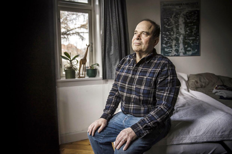 Arne Notkin er gift og far til to børn. I sin nye bog, der handler om hans sygdomsforløb, taler han med dem om, hvordan det påvirkede dem, at han fik konstateret kræft.