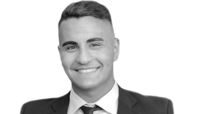 19-årige Mahmoud Mohammad Mansour har - ifølge statistikkerne - væsentlig sværere ved at finde både job og bolig, end jævnaldrende med danskklingende navne som 'Mads' og 'Morten'.