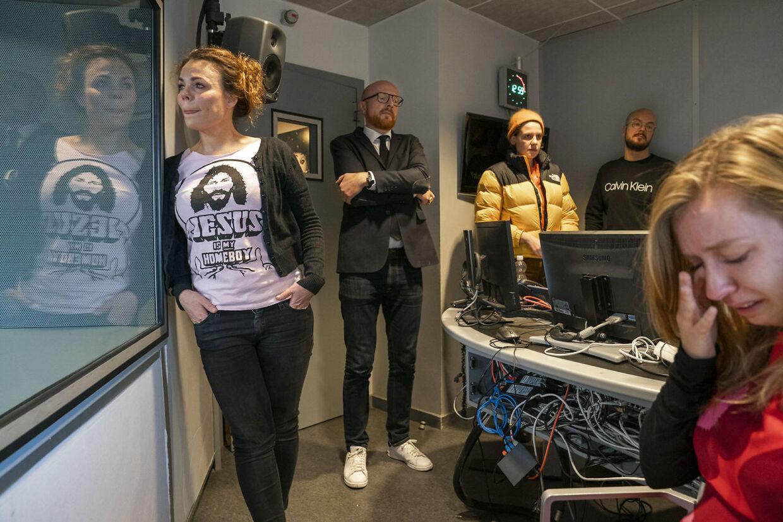 En bevæget Ditte Okman på Radio24Syvs sidste sendedag 31. oktober inden lukningen.