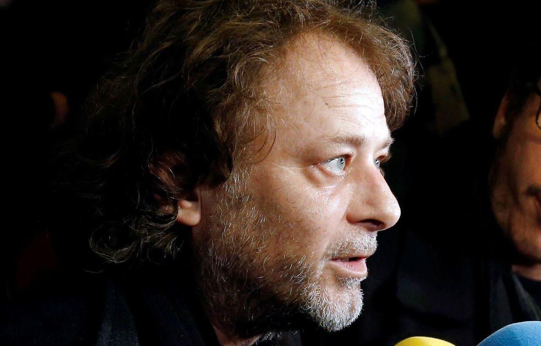 Den i dag 54-årige instruktør Christophe Ruggia benægter beskyldningerne, men erkender at have begået 'fejl'.