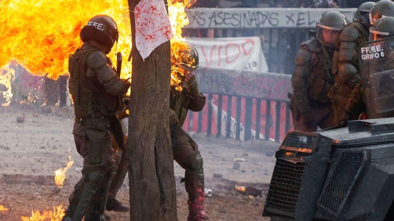Borgerne i Chile er meget utilfredse med den ledende regering, og det har ført til kampe.