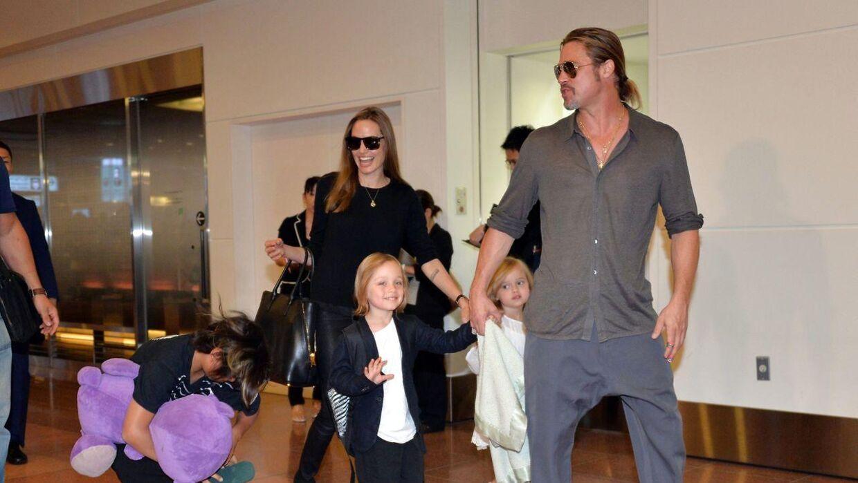 Angelina Jolie og Brad Pitt har seks børn, hvor tre af dem er biologiske, mens tre er adopteret.
