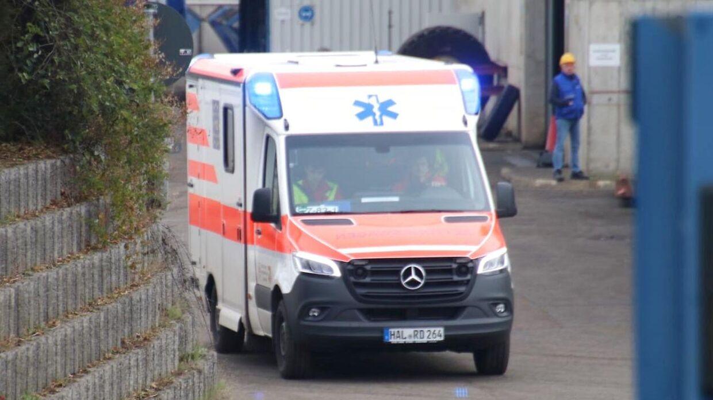 Her ankommer en ambulance til Teutschenthal.