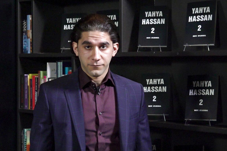 Yahya Hassans bror, Abdullah Hassan, fremsætter et statement fra forfatteren, på forlaget Gyldendal i Købehavn, fredag den 8. november 2019.