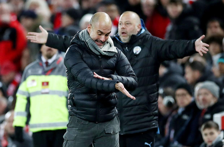 Pep Guardiola hoppede rundt på sidelinjen undervejs i kampen mod Liverpool. Primært for at udtrykke sin frustration med dommerteamet.