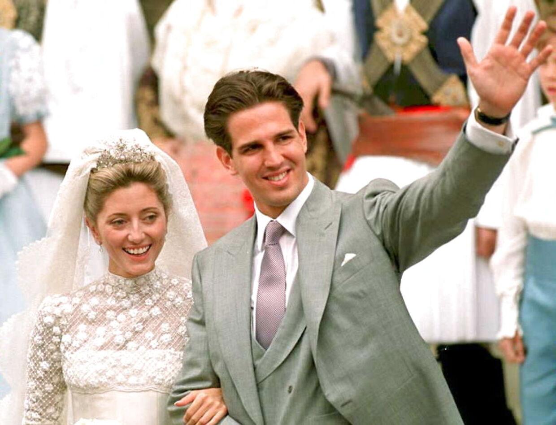 Ekskroprins Pavlos blev gift med milliardærdatteren Marie-Chantal Miller ved et storslået bryllup i England i 1995.