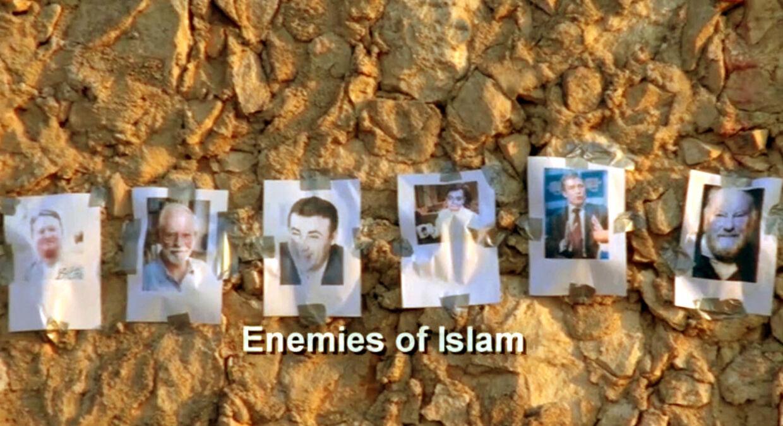 I videoen skød Ahmad El-Haj til måls efter billeder af fremtrædende danskere.