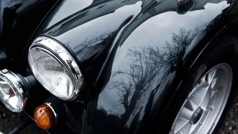 Kenneth Falke Theil solgte biler for millioner, få dage senere gik et af hans selskaber konkurs.