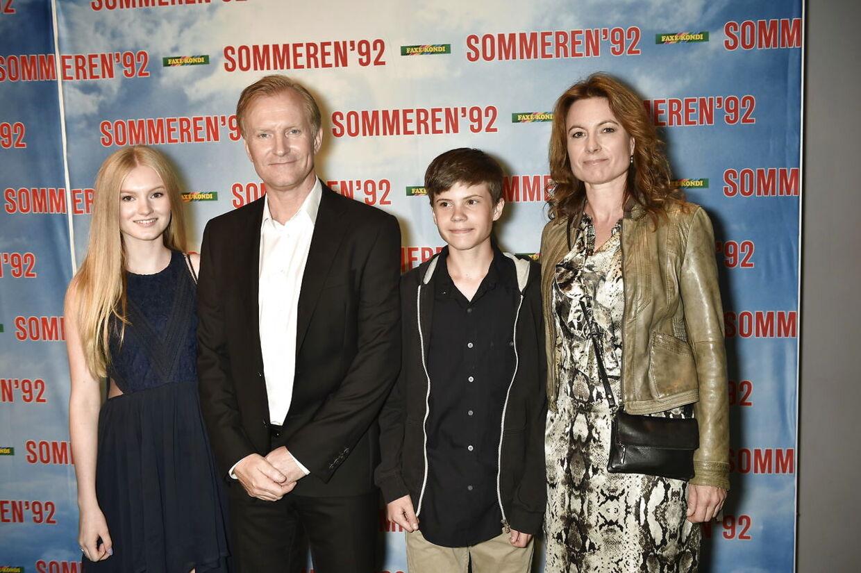 Ulrich Thomsen med datteren Alma (t.v.) og resten af familien tilbage i 2015.