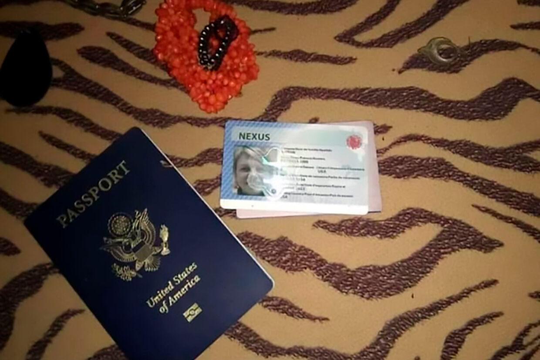 Patricia Ann Antóns pas og kørekort.