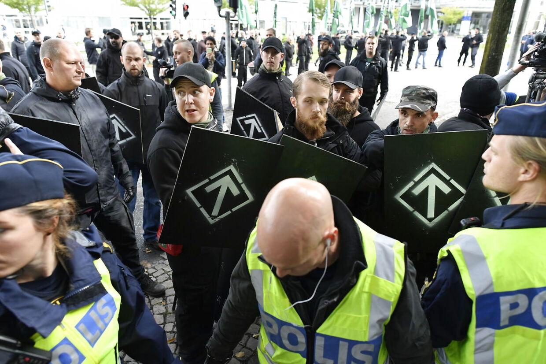 Den nazistiske organisation Nordfront marcherer i Goteborg i 2017. Scanpix.