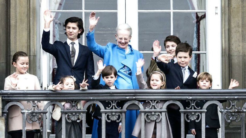 Dronning Margrethe er ikke, som farmødre er flest, mener hun. Her ses hun med sine børnebørn i 2016.
