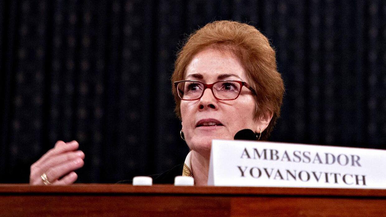 USAs forhenværende ambassadør i Ukraine, Marie Yovanovitch blev afhørt i over otte timer.