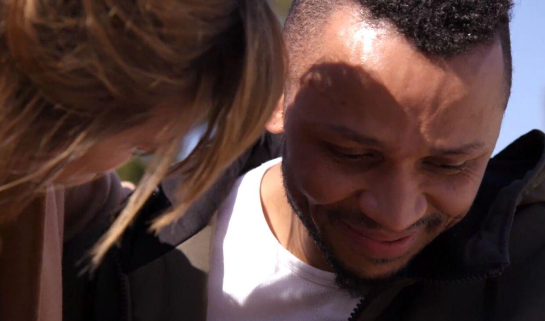 Aclam Joram er rørt, efter han i programmet møder sin far for første gang.