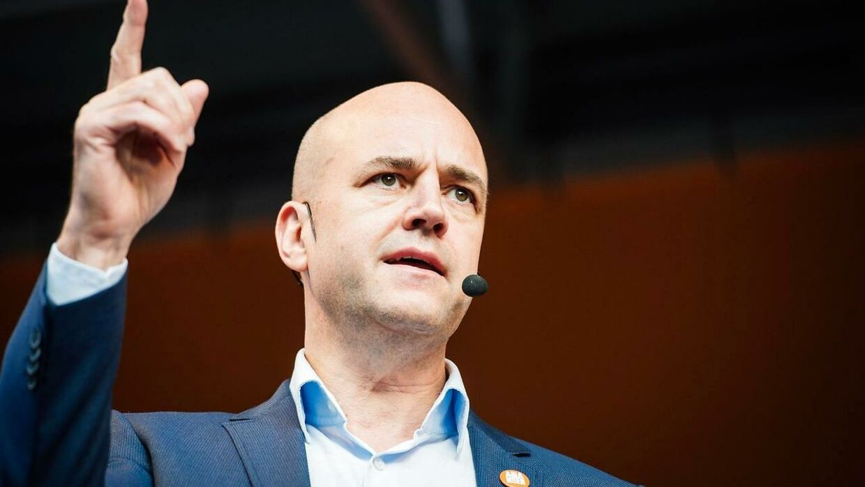 (ARKIVFOTO) Sveriges tidligere statsminister Fredrik Reinfeldt er bestemt ikke begejstret for, at Danmark har indført grænsekontrol mod Sverige.