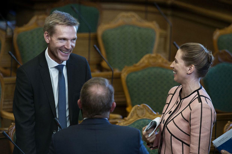 Kristian Thulesen Dahl og Mette Frederiksen ved Folketingets åbning 4. oktober 2016. Dengang var forholdet mellem de to langt bedre