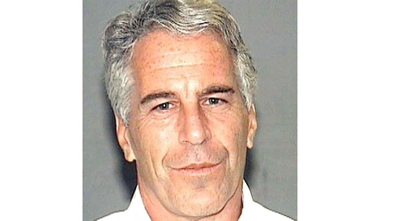 Jeffrey Epstein hængte sig i en fængselscelle tilbage i august. Han blev 66 år.