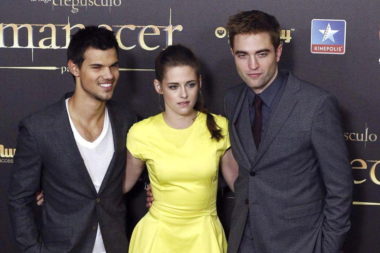 Taylor Lautner (tv), Kristen Stewart og Robert Pattinson (th). EPA/JUANJO MARTIN