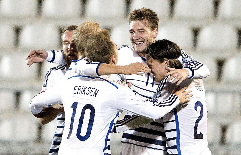 Seerne kan følge Danmark ved EM-slutrunden 2016 på DR og TV2, hvis landsholdet kvalificerer sig.