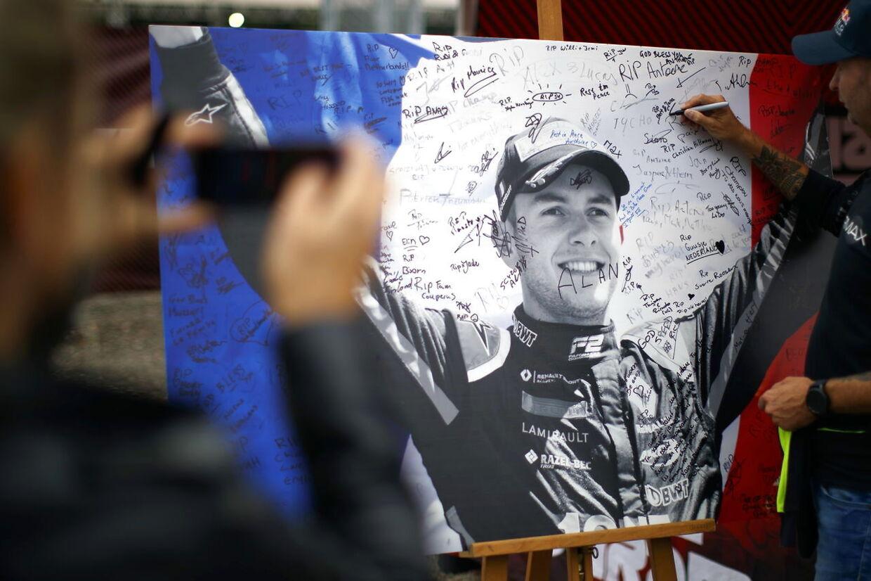 Formel 2-køreren Anthoine Hubert omkom i en ulykke på Spa-banen tidligere på året.