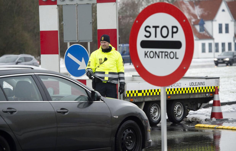 Grænsekontrol i Kruså. Nu har tyskerne også oprettet grænsekontrol. Arkivfoto.